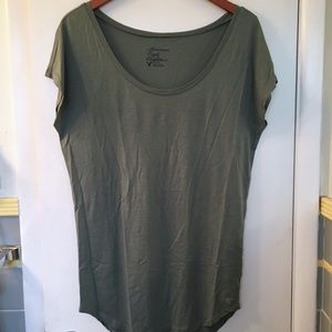 🌺3/$15🌺American Eagle Sage Green T-shirt